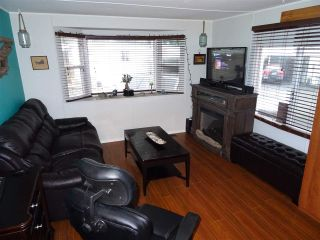 "Photo 4: 15 4200 DEWDNEY TRUNK Road in Coquitlam: Ranch Park Manufactured Home for sale in ""HIDEWAY PARK"" : MLS®# R2124110"