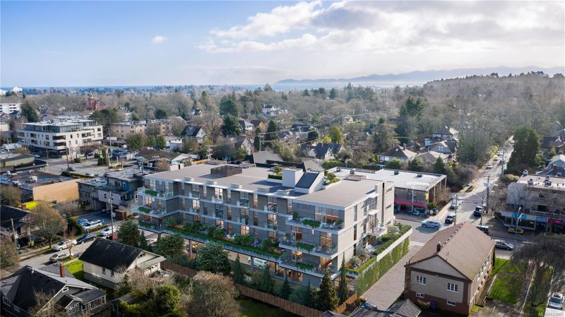 FEATURED LISTING: 404 - 1920 Oak Bay Ave