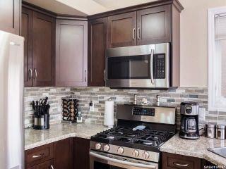 Photo 6: 215 Snell Crescent in Saskatoon: Stonebridge Residential for sale : MLS®# SK730695