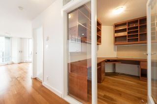 """Photo 13: 2302 583 BEACH Crescent in Vancouver: Yaletown Condo for sale in """"Park West 2 Yaletown"""" (Vancouver West)  : MLS®# R2179212"""