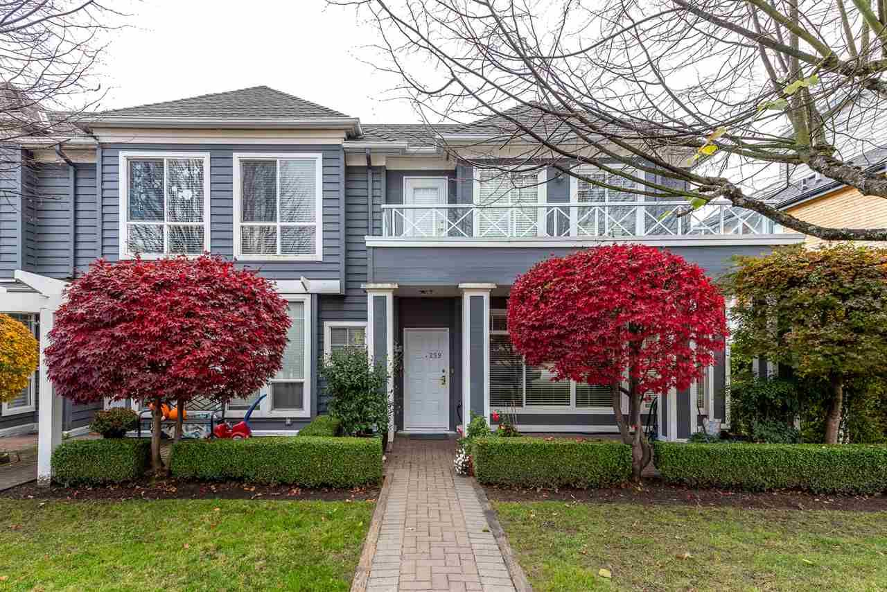 Main Photo: 259 E 6TH STREET in North Vancouver: Lower Lonsdale Townhouse for sale : MLS®# R2419124