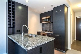 """Photo 4: 1907 833 HOMER Street in Vancouver: Downtown VW Condo for sale in """"ATELIER"""" (Vancouver West)  : MLS®# R2067914"""