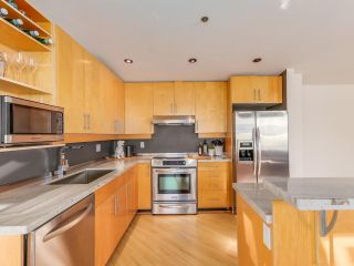 """Photo 9: 511 549 COLUMBIA Street in New Westminster: Downtown NW Condo for sale in """"C2C LOFTS"""" : MLS®# R2129468"""