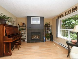 Photo 4: 117 2723 Jacklin Rd in Langford: La Langford Proper Row/Townhouse for sale : MLS®# 842337