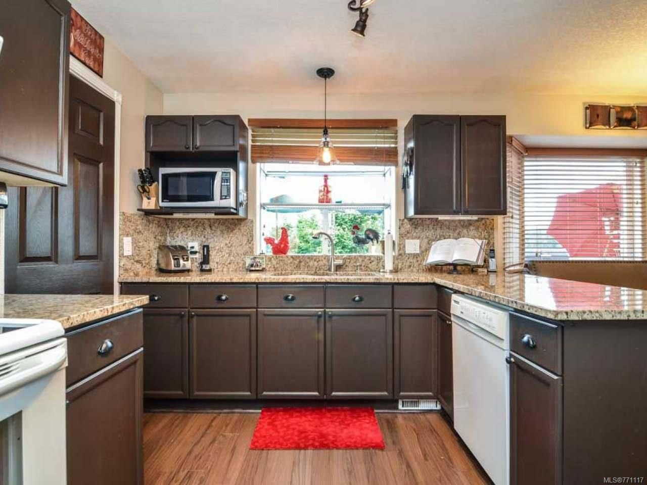 Photo 5: Photos: 697 Steenbuck Dr in CAMPBELL RIVER: CR Campbell River Central House for sale (Campbell River)  : MLS®# 771117