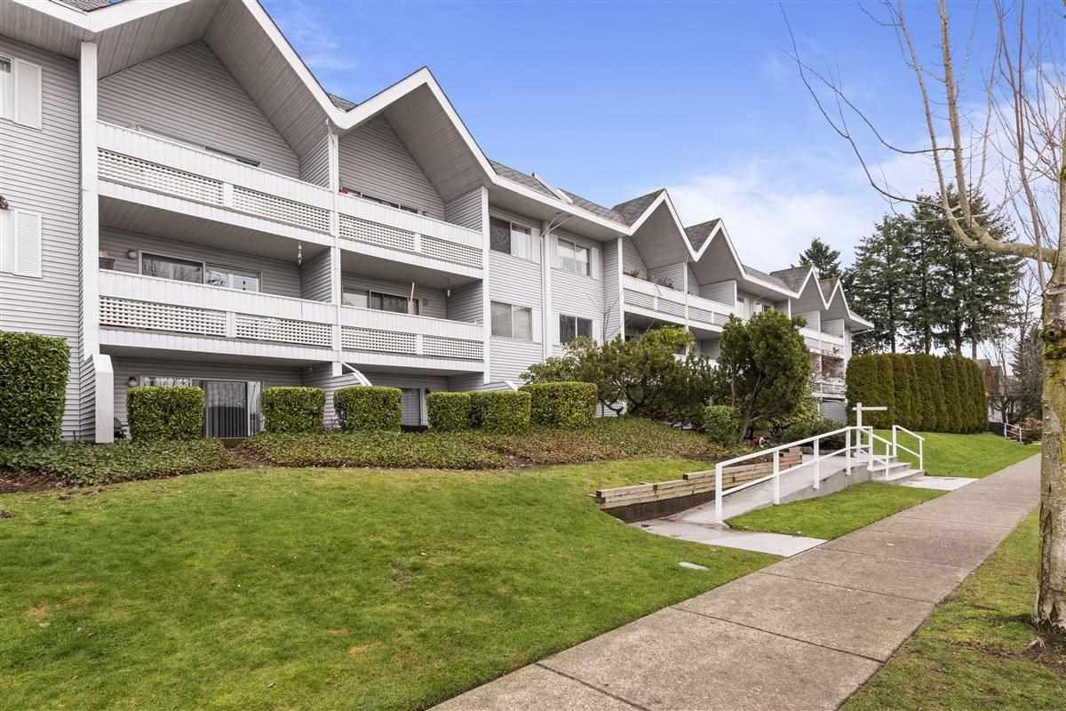 "Main Photo: 104 2055 SUFFOLK Avenue in Port Coquitlam: Glenwood PQ Condo for sale in ""Suffolk Manor"" : MLS®# R2433004"