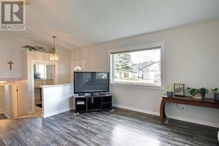 Photo 6: 95 Castle Crescent in Red Deer: House for sale : MLS®# A1144675