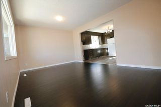 Photo 2: 946 Broder Street in Regina: Eastview RG Residential for sale : MLS®# SK830447