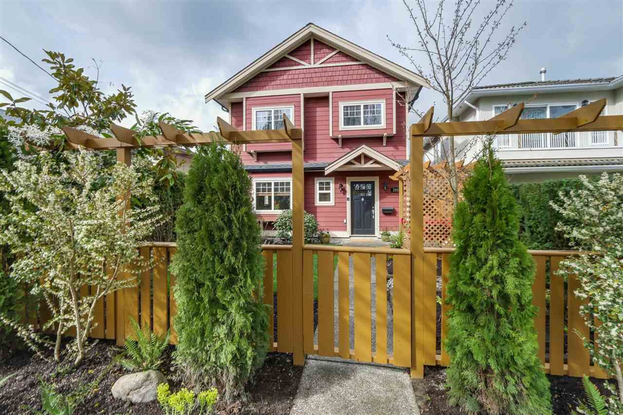 Main Photo: 2951 VICTORIA Drive in Vancouver: Grandview VE 1/2 Duplex for sale (Vancouver East)  : MLS®# R2050820