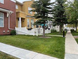 Main Photo: 340 McKenzie Towne Link SE in Calgary: McKenzie Towne Row/Townhouse for sale : MLS®# A1134481