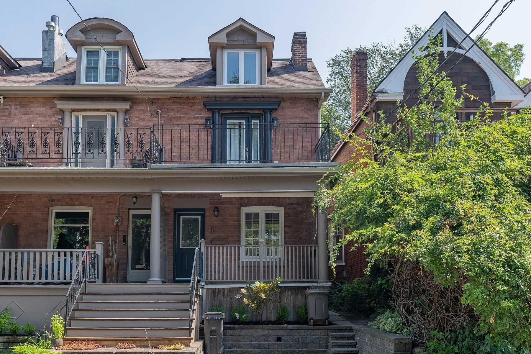 Main Photo: 61 Leuty Avenue in Toronto: The Beaches House (3-Storey) for lease (Toronto E02)  : MLS®# E5379543