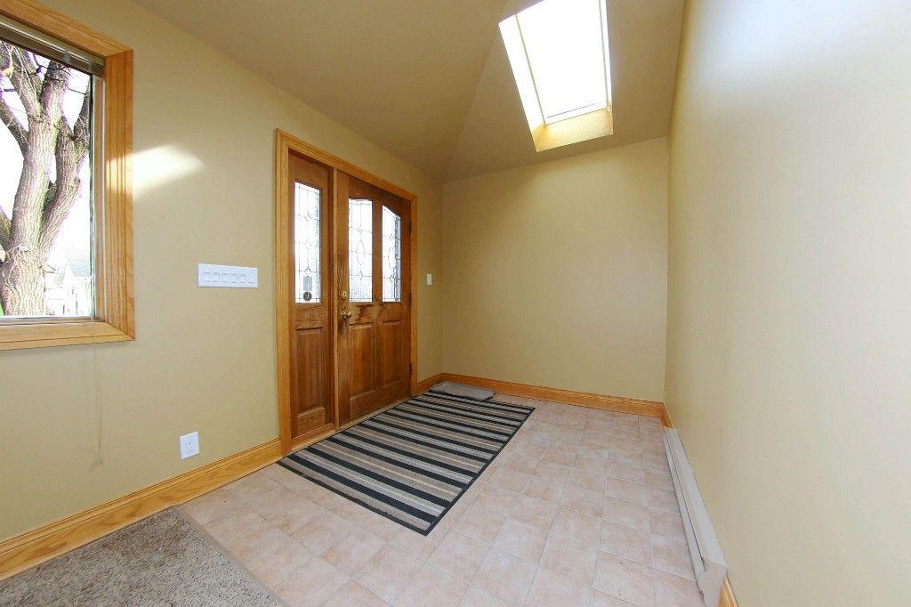 Photo 2: Photos: 492 Sprague Street in Winnipeg: WOLSELEY Single Family Detached for sale (West Winnipeg)  : MLS®# 1607076