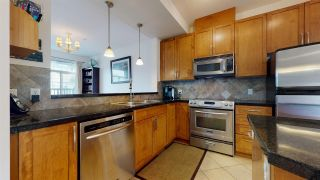 """Photo 5: 37 40632 GOVERNMENT Road in Squamish: Brackendale Townhouse for sale in """"Riverswalk"""" : MLS®# R2546041"""