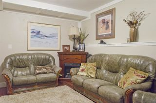 Photo 14: 1214 COMO LAKE Avenue in Coquitlam: Central Coquitlam House for sale : MLS®# R2336355