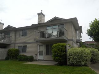 """Photo 2: 40 2023 WINFIELD Drive in Abbotsford: Abbotsford East Townhouse for sale in """"MEADOWVIEW"""" : MLS®# F1312180"""