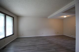 Photo 5: 38 EDGEDALE Court NW in Calgary: Edgemont Semi Detached for sale : MLS®# A1141906
