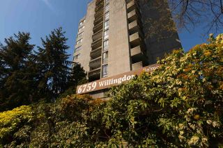 """Photo 3: 204 6759 WILLINGDON Avenue in Burnaby: Metrotown Condo for sale in """"BALMORAL ON THE PARK"""" (Burnaby South)  : MLS®# R2261873"""