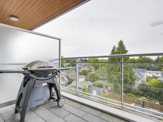 """Photo 17: 403 3333 MAIN Street in Vancouver: Main Condo for sale in """"3333 MAIN"""" (Vancouver East)  : MLS®# R2191207"""