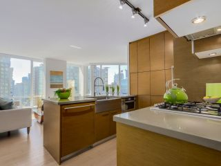 "Photo 8: 1507 535 SMITHE Street in Vancouver: Downtown VW Condo for sale in ""DOLCE AT SYMPHONY PLACE"" (Vancouver West)  : MLS®# R2065193"