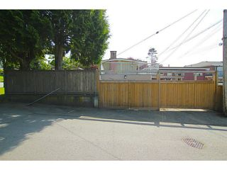 Photo 17: 1690 E 64TH Avenue in Vancouver: Fraserview VE House for sale (Vancouver East)  : MLS®# V1124296