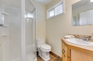 """Photo 13: 558 CARLSEN Place in Port Moody: North Shore Pt Moody Townhouse for sale in """"Eagle Point complex"""" : MLS®# R2388336"""