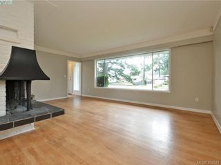 Photo 2: 536 Acland Ave in VICTORIA: Co Wishart North House for sale (Colwood)  : MLS®# 804616