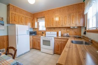 Photo 5: 15 Lennox Avenue in Winnipeg: St Vital Residential for sale (2D)  : MLS®# 202113004