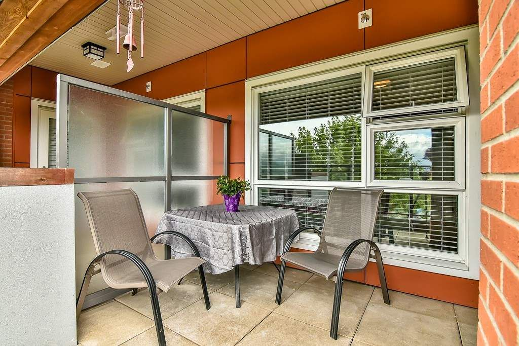 """Photo 12: Photos: 214 20728 WILLOUGHBY TOWN CENTRE Drive in Langley: Willoughby Heights Condo for sale in """"Kensington at Willoughby Town Centre"""" : MLS®# R2190142"""