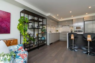 """Photo 3: 307 1160 OXFORD Street: White Rock Condo for sale in """"NEWPORT AT WESTBEACH"""" (South Surrey White Rock)  : MLS®# R2548964"""