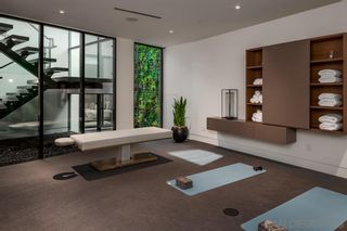 Photo 16: House for sale : 4 bedrooms : 311 Sea Ridge Dr in La Jolla