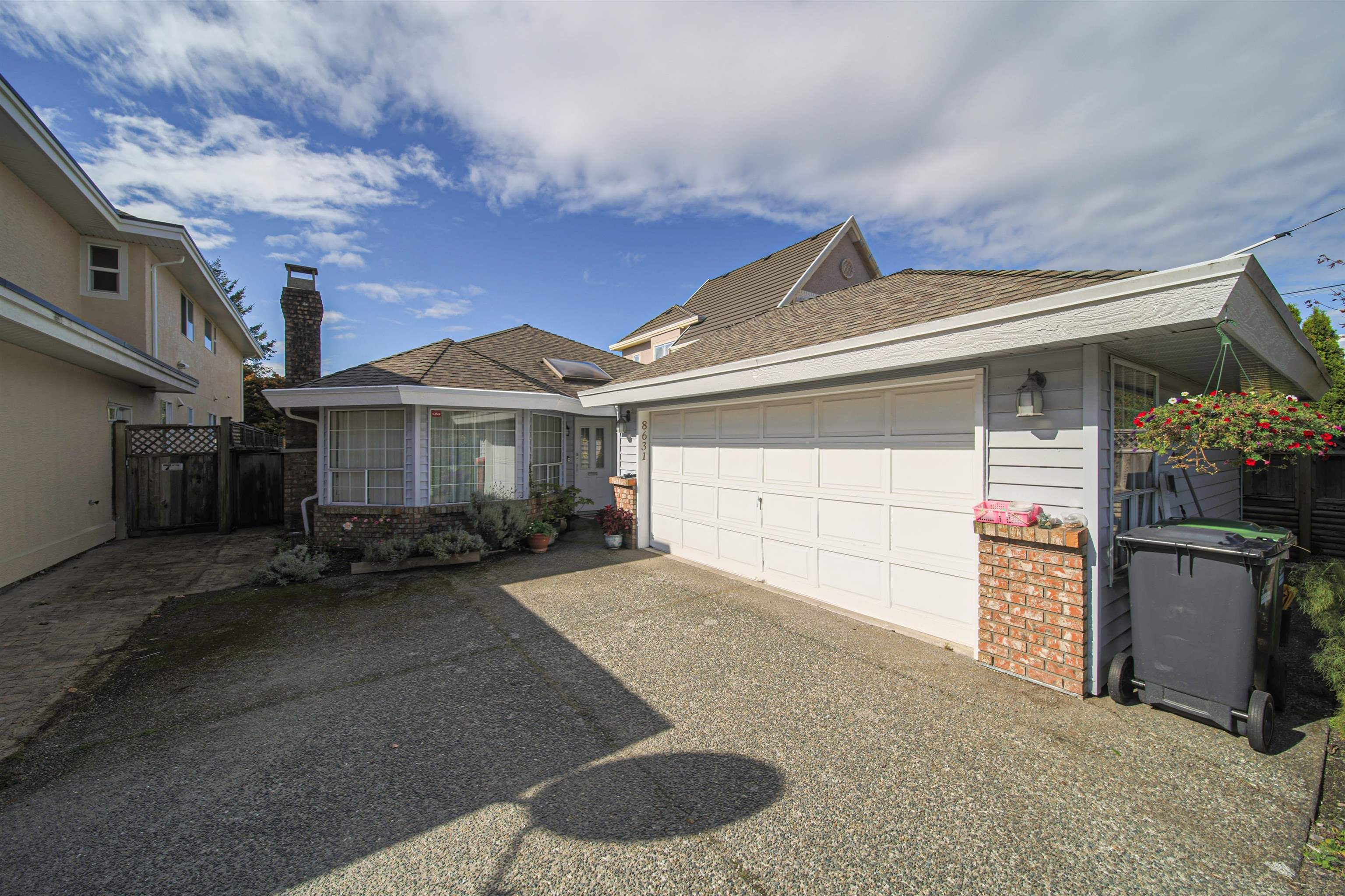 Main Photo: 8631 NO. 2 Road in Richmond: Lackner House for sale : MLS®# R2623289