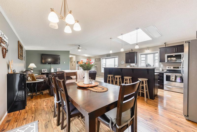 FEATURED LISTING: 7404 TWP RD 514 Rural Parkland County