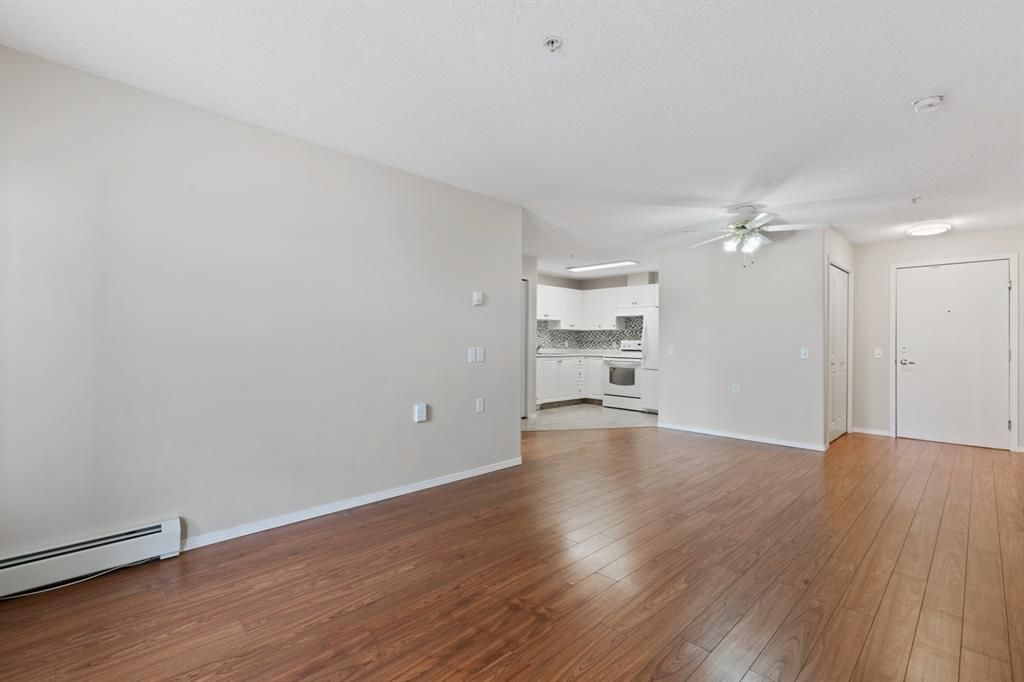 Photo 4: Photos: 205 5000 Somervale Court SW in Calgary: Somerset Apartment for sale : MLS®# A1101602