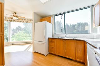 """Photo 8: 203 1705 MARTIN Drive in Surrey: Sunnyside Park Surrey Condo for sale in """"Southwynd"""" (South Surrey White Rock)  : MLS®# R2576884"""