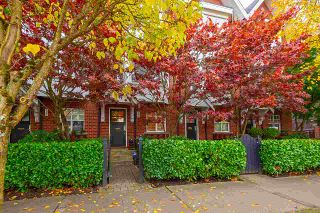 """Photo 2: 2158 W 8TH Avenue in Vancouver: Kitsilano Townhouse for sale in """"Handsdowne Row"""" (Vancouver West)  : MLS®# R2514357"""