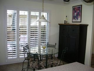 Photo 24: BEAUTIFULLY RENOVATED 3-BR TOWNHOUSE!