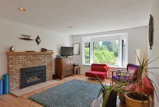 Photo 7: 1042 FAIRVIEW Road in Gibsons: Gibsons & Area House for sale (Sunshine Coast)  : MLS®# R2589107