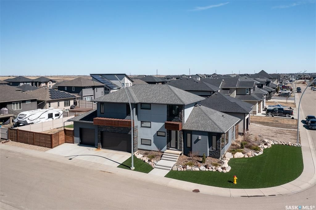 Main Photo: 242 Mahabir Court in Saskatoon: Evergreen Residential for sale : MLS®# SK849683