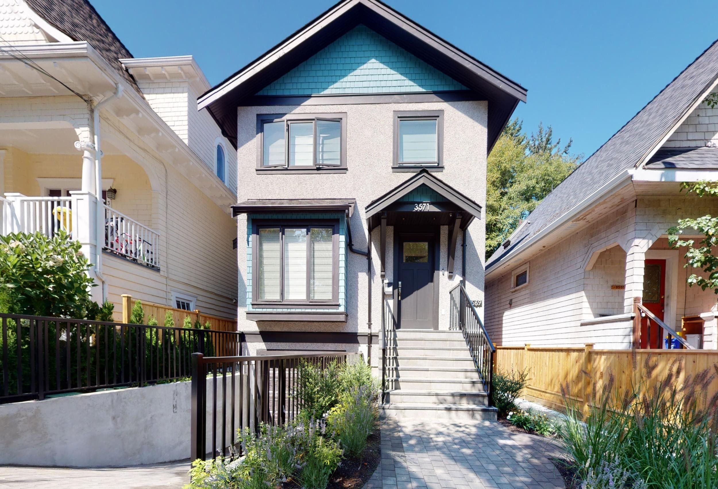 Main Photo: 3571 MARSHALL Street in Vancouver: Grandview Woodland House for sale (Vancouver East)  : MLS®# R2615173