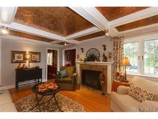 Photo 3: 1036 Munro St in VICTORIA: Es Old Esquimalt House for sale (Esquimalt)  : MLS®# 653807