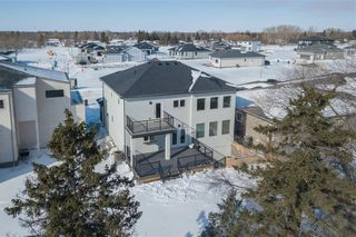 Photo 35: 445 Scotswood Drive South in Winnipeg: Charleswood Residential for sale (1G)  : MLS®# 202004764
