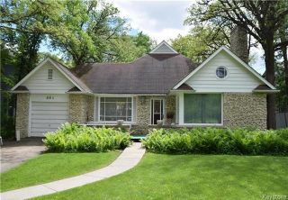 Photo 1: 884 Wellington Crescent in Winnipeg: River Heights North Residential for sale (1C)  : MLS®# 1716855