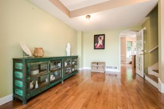 """Photo 5: 11 5950 OAKDALE Road in Burnaby: Oaklands Townhouse for sale in """"Heather Crest"""" (Burnaby South)  : MLS®# R2209640"""