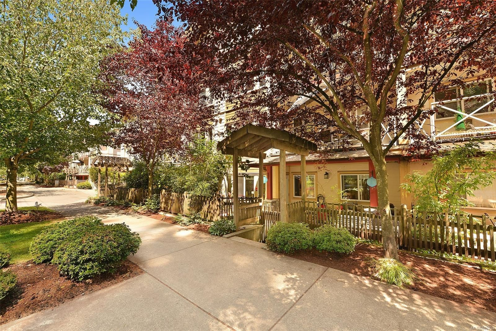 Main Photo: 105 360 GOLDSTREAM Ave in : Co Colwood Corners Condo for sale (Colwood)  : MLS®# 883233