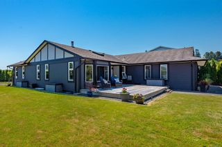 Photo 1: 141 Reef Cres in Campbell River: CR Willow Point House for sale : MLS®# 879752