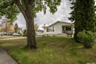 Photo 3: 6 Morton Place in Saskatoon: Greystone Heights Residential for sale : MLS®# SK828159