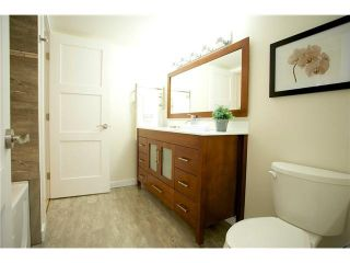 """Photo 8: 3211 33 CHESTERFIELD Place in North Vancouver: Lower Lonsdale Condo for sale in """"HARBOURVIEW PARK"""" : MLS®# V1109655"""