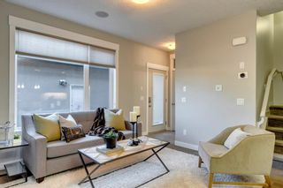 Photo 4: 2 4728 17 Avenue NW in Calgary: Montgomery Row/Townhouse for sale : MLS®# A1125415