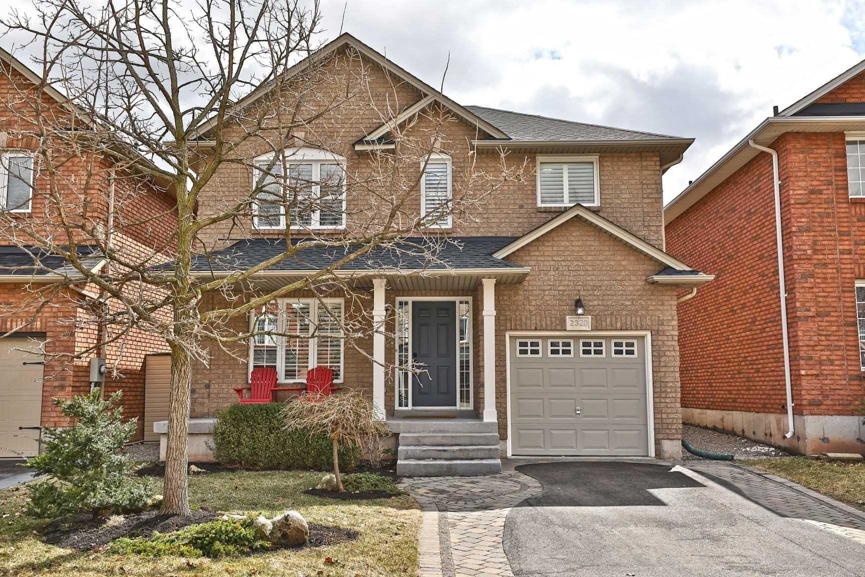 Main Photo: 2320 Stillmeadow Road in Oakville: West Oak Trails House (2-Storey) for sale : MLS®# W4411970