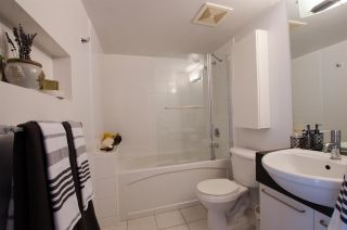 """Photo 14: 309 828 CARDERO Street in Vancouver: West End VW Condo for sale in """"FUSION"""" (Vancouver West)  : MLS®# R2376130"""